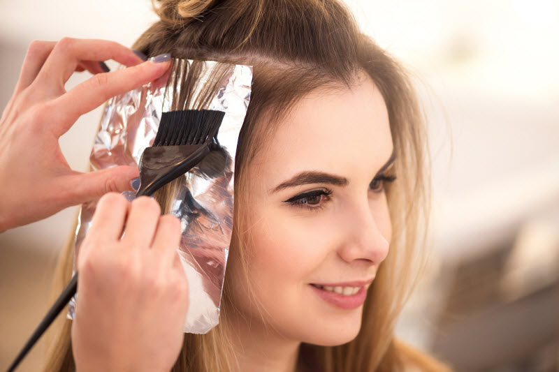 The Important Differences Between Boxed Color And Professional Salon